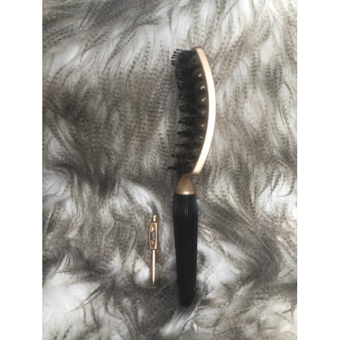 Rose Gold Vent Brush Side View